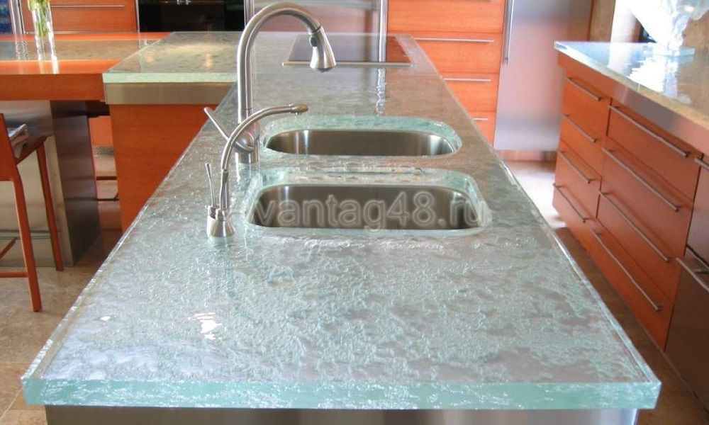 Замена стеклянной столешницы на столе